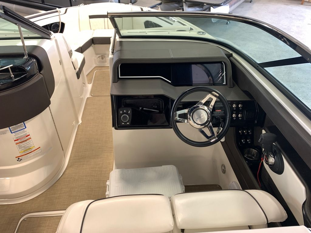 2018 Sea Ray boat for sale, model of the boat is SLX 280 & Image # 5 of 7