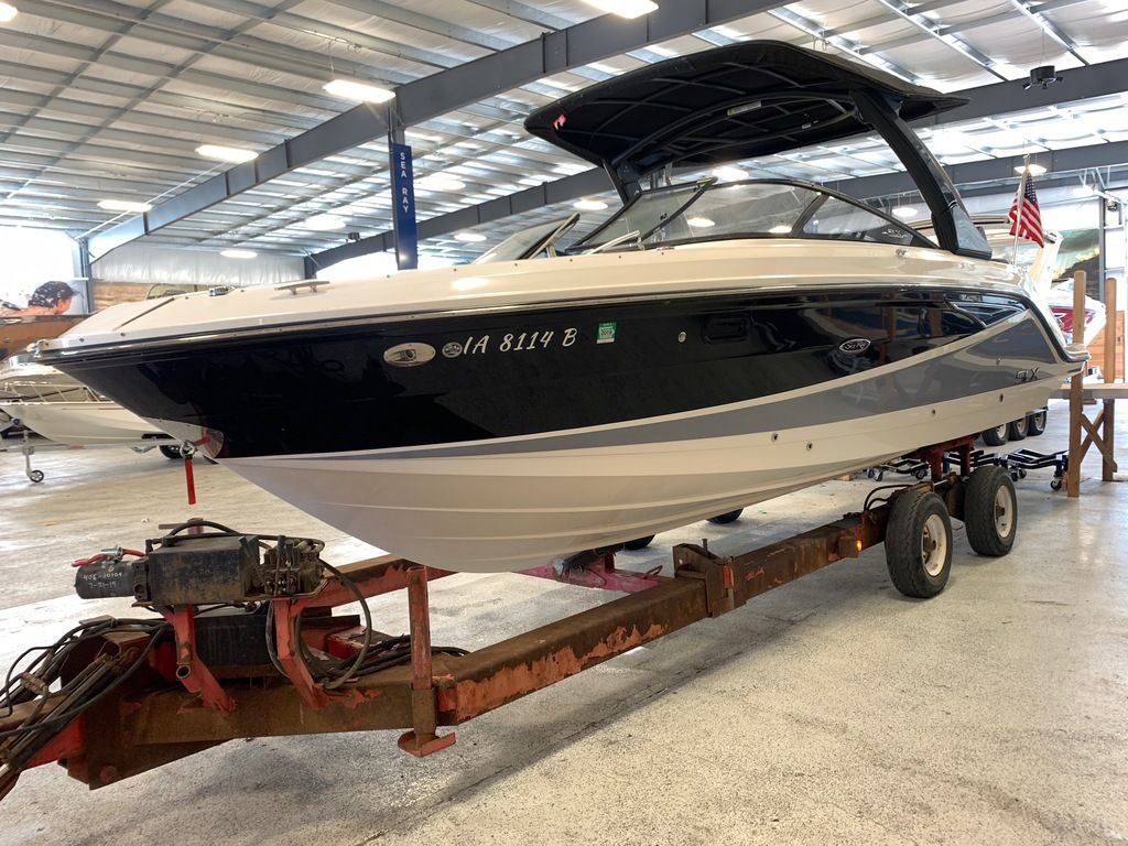 2016 Sea Ray boat for sale, model of the boat is 280 SLX & Image # 2 of 9