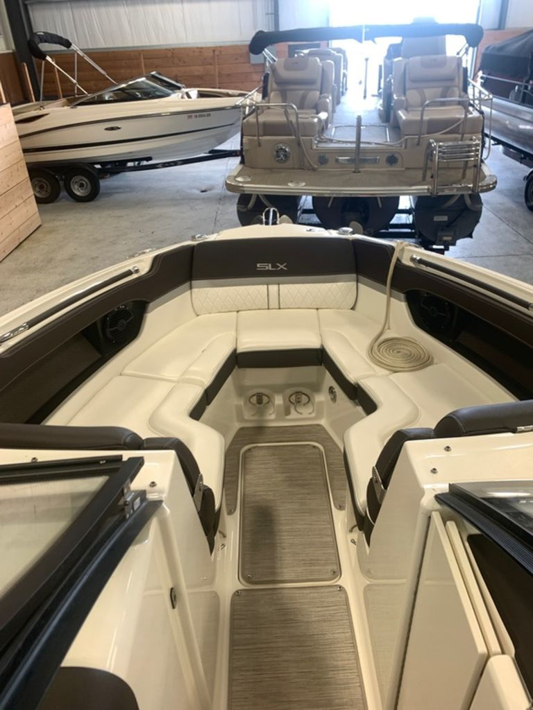 2016 Sea Ray boat for sale, model of the boat is 280 SLX & Image # 7 of 9