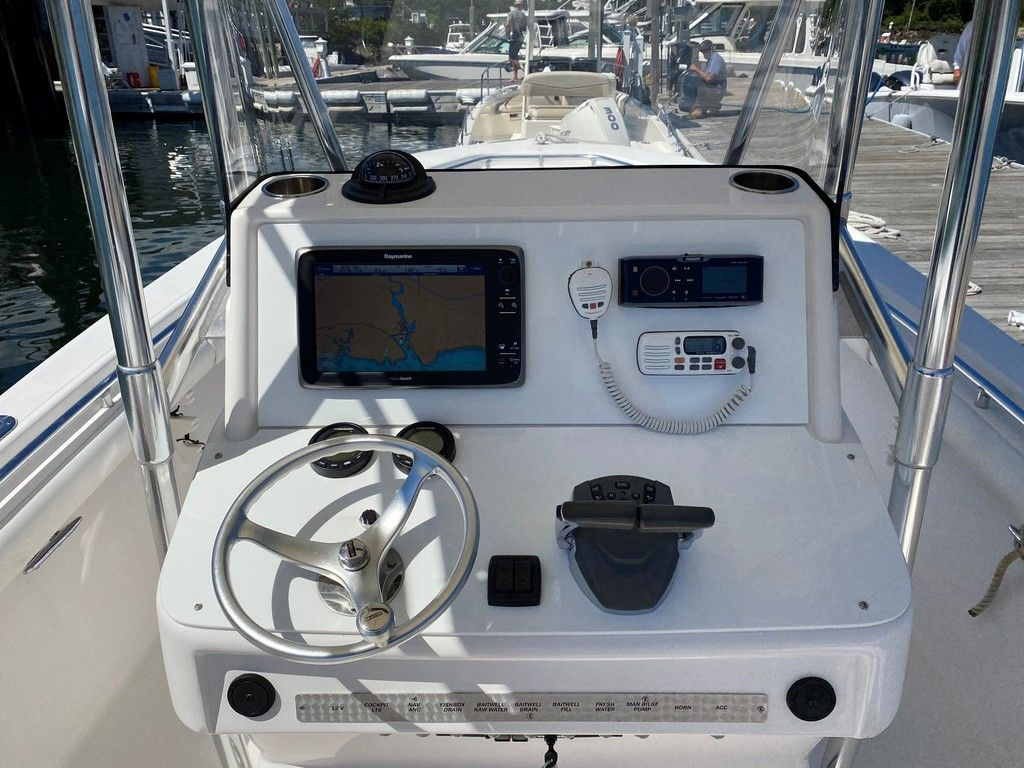 2002 Seacraft boat for sale, model of the boat is 25 Open Fisherman & Image # 7 of 8
