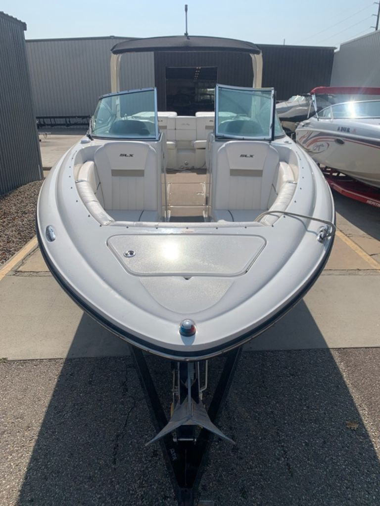 2010 Sea Ray boat for sale, model of the boat is 270 SLX & Image # 5 of 14