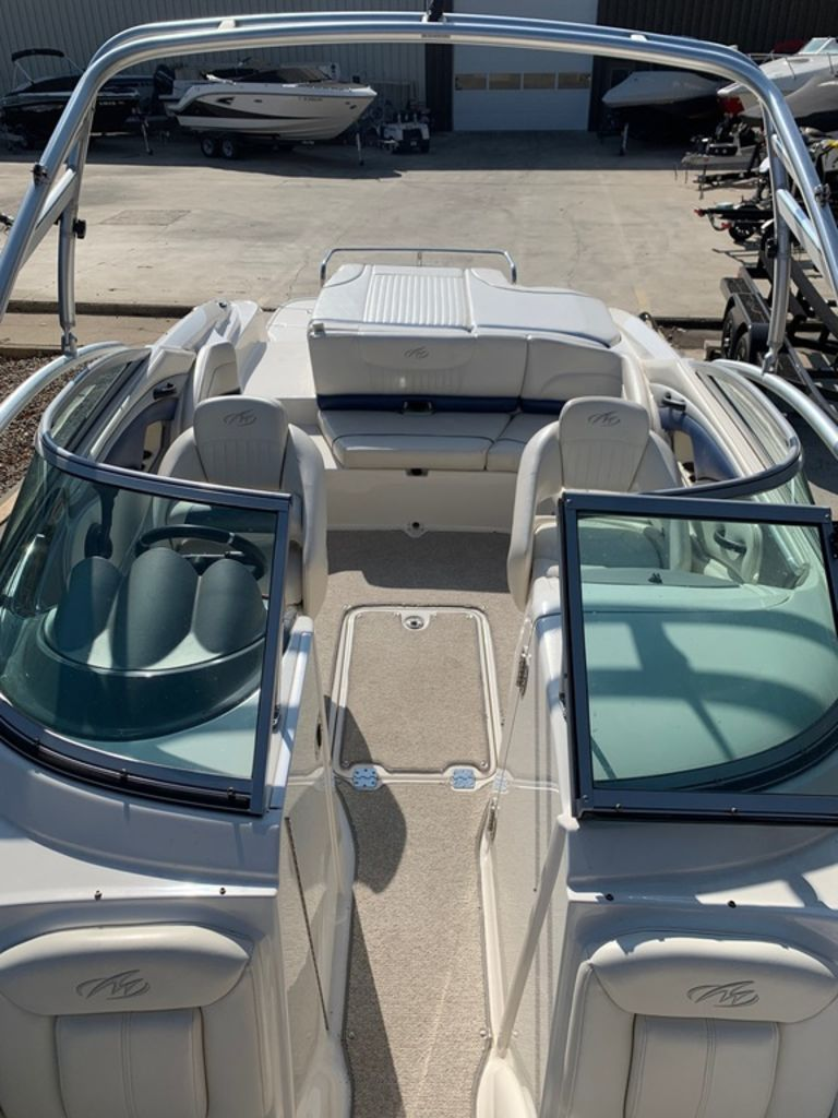 2007 Monterey boat for sale, model of the boat is 234 FS & Image # 12 of 14