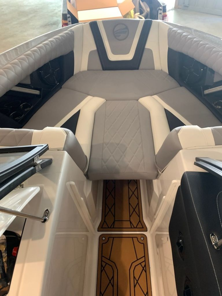 2021 Tige boat for sale, model of the boat is 23 ZX & Image # 8 of 9