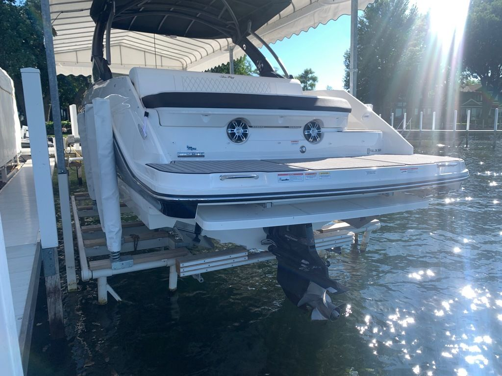 2020 Sea Ray boat for sale, model of the boat is SLX 280 & Image # 3 of 10
