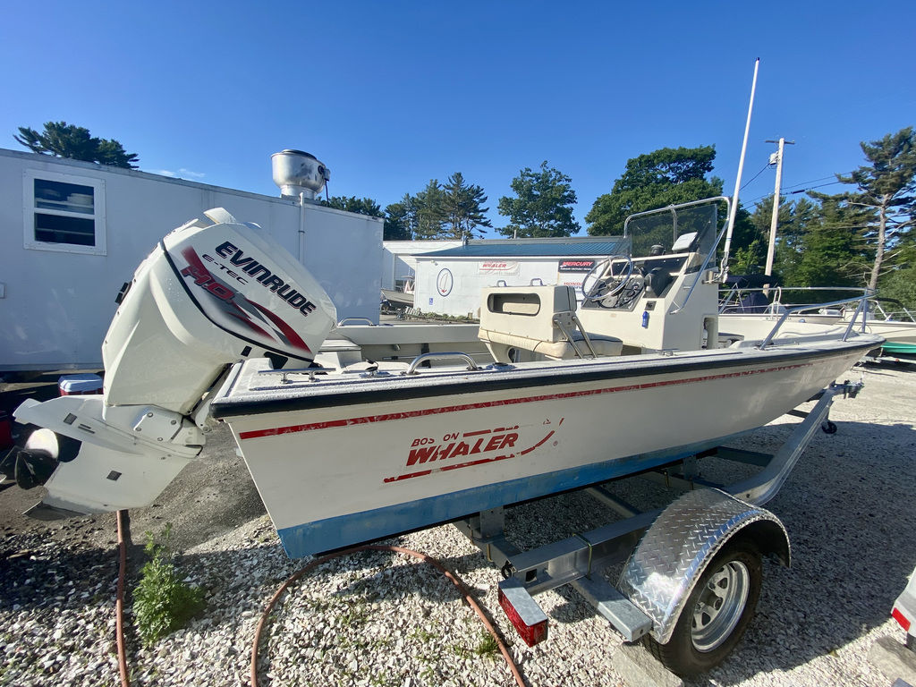 1992 Boston Whaler boat for sale, model of the boat is 17 Outrage & Image # 3 of 5