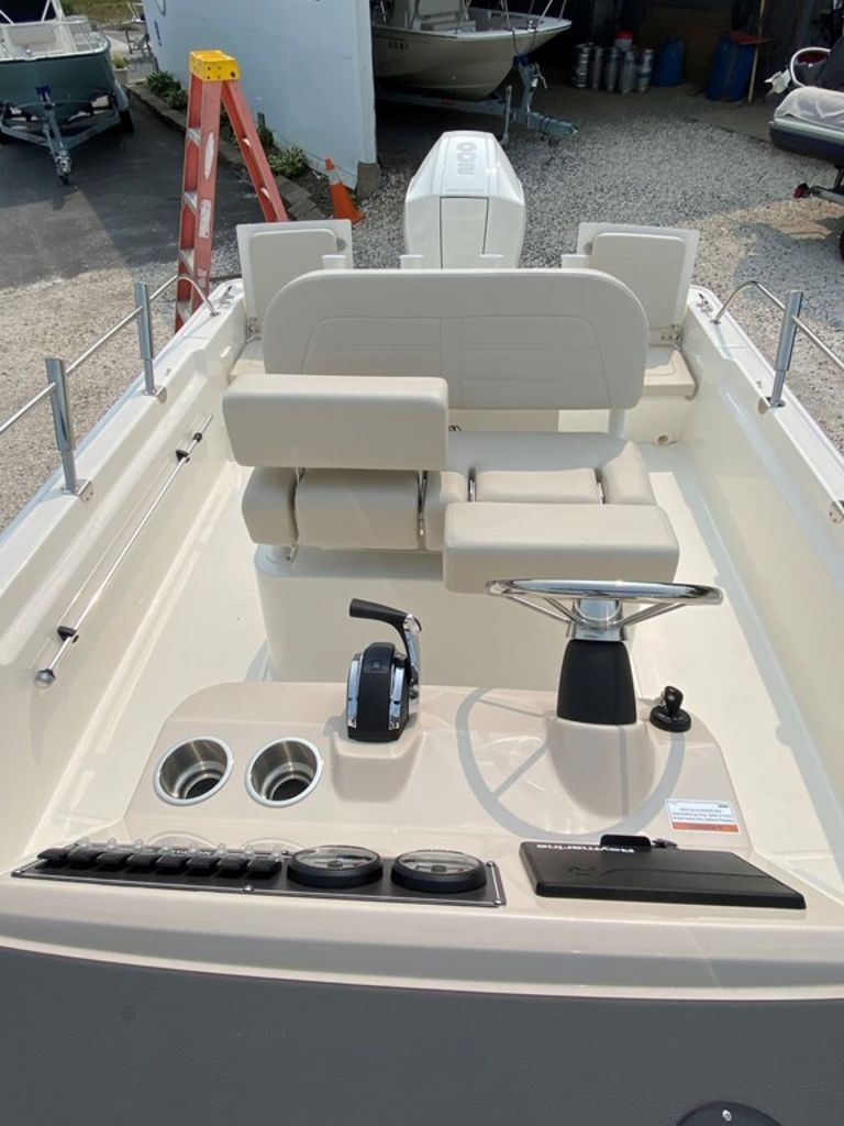 2021 Boston Whaler boat for sale, model of the boat is 210 Montauk & Image # 5 of 8