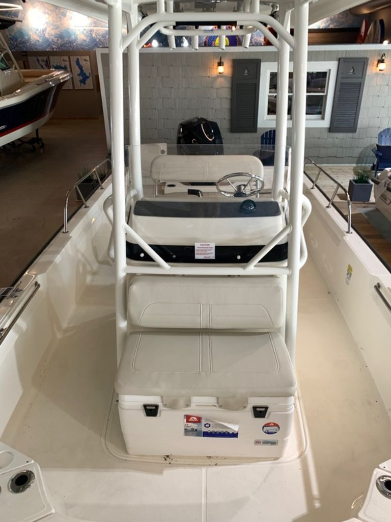 2019 Boston Whaler boat for sale, model of the boat is 210 Montauk & Image # 6 of 9