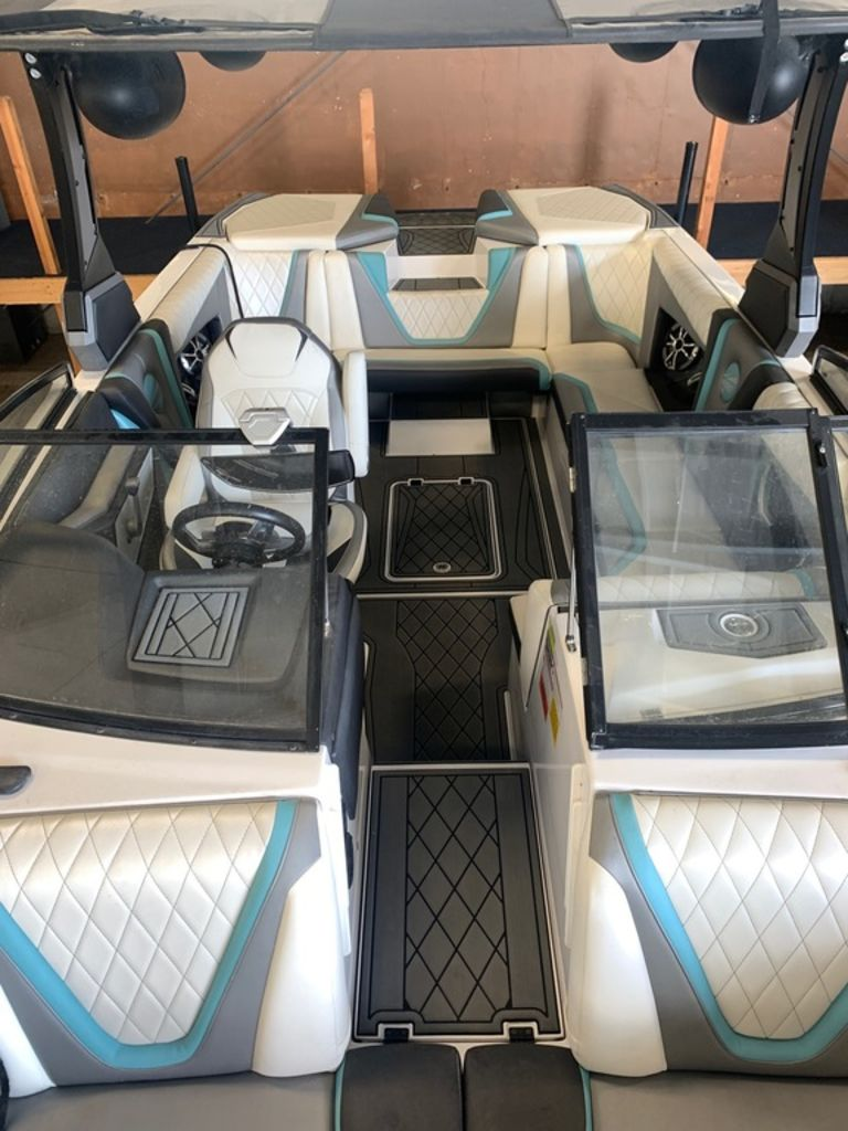 2017 Tige boat for sale, model of the boat is RZX3 & Image # 13 of 14