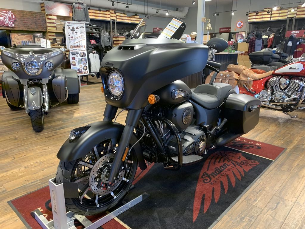 2020 Indian Motorcycle® Chieftain® Dark Horse® Thunder Black Smoke