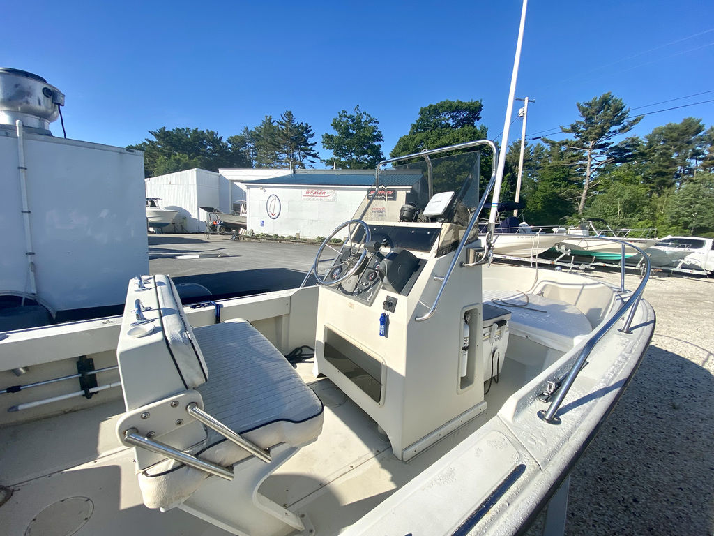 1992 Boston Whaler boat for sale, model of the boat is 17 Outrage & Image # 2 of 5