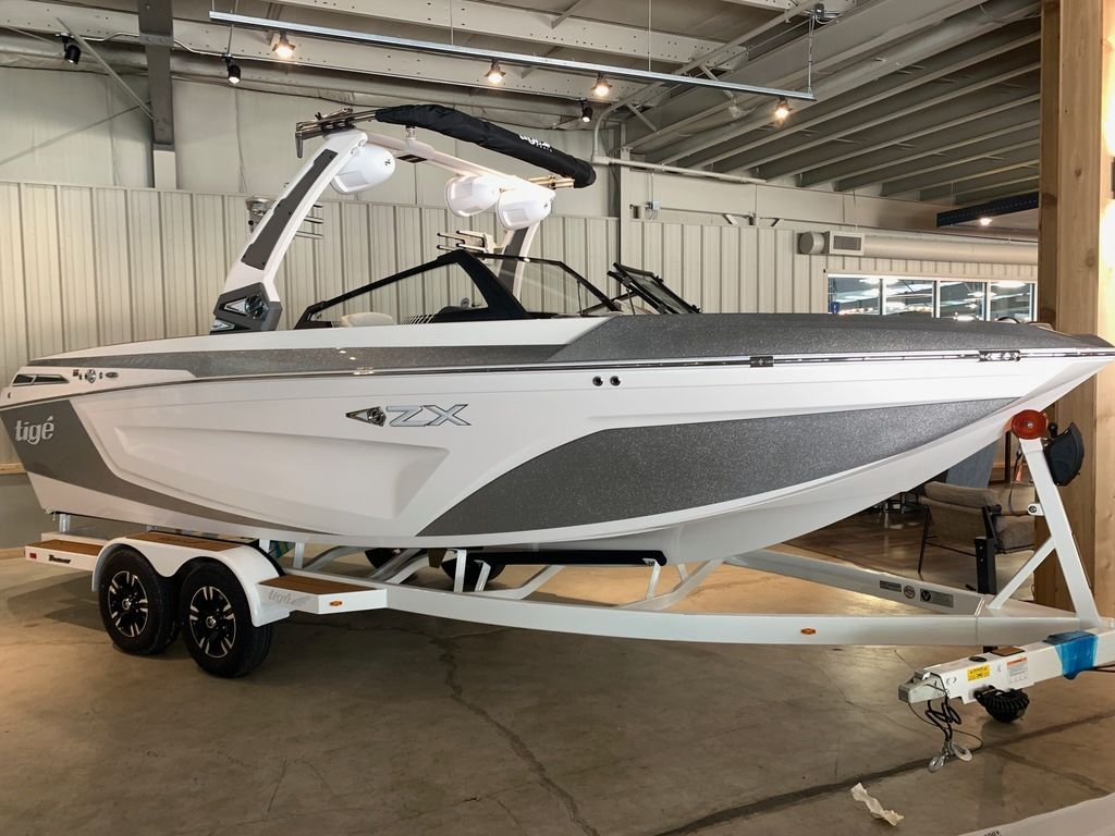 2021 Tige boat for sale, model of the boat is 23 ZX & Image # 2 of 9