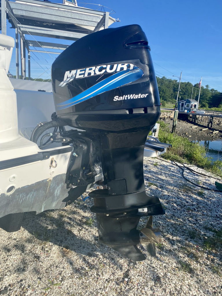 2004 Boston Whaler boat for sale, model of the boat is 210 Outrage & Image # 5 of 7