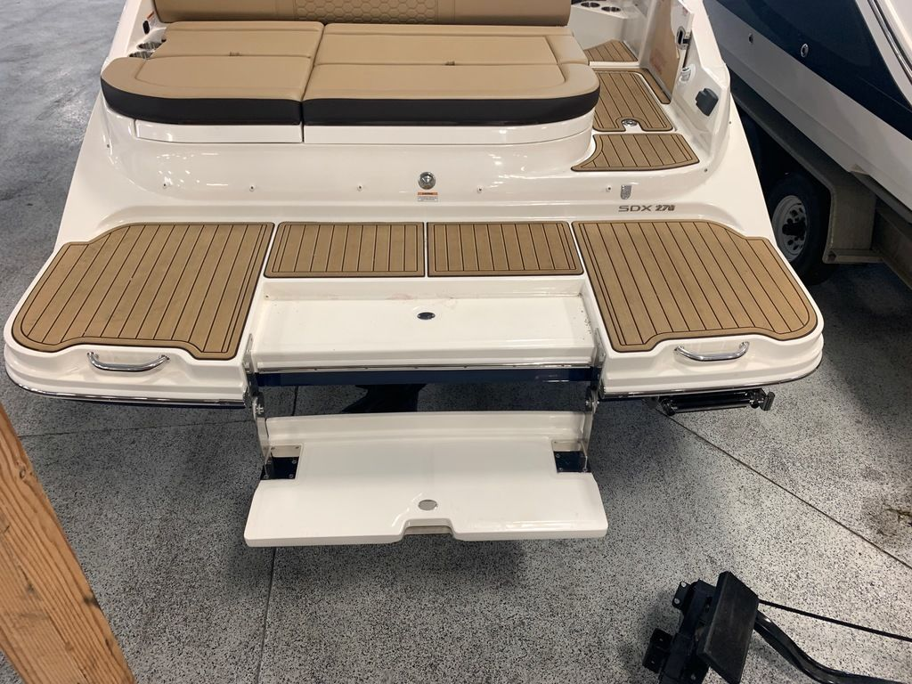 2019 Sea Ray boat for sale, model of the boat is SDX 270 & Image # 4 of 11
