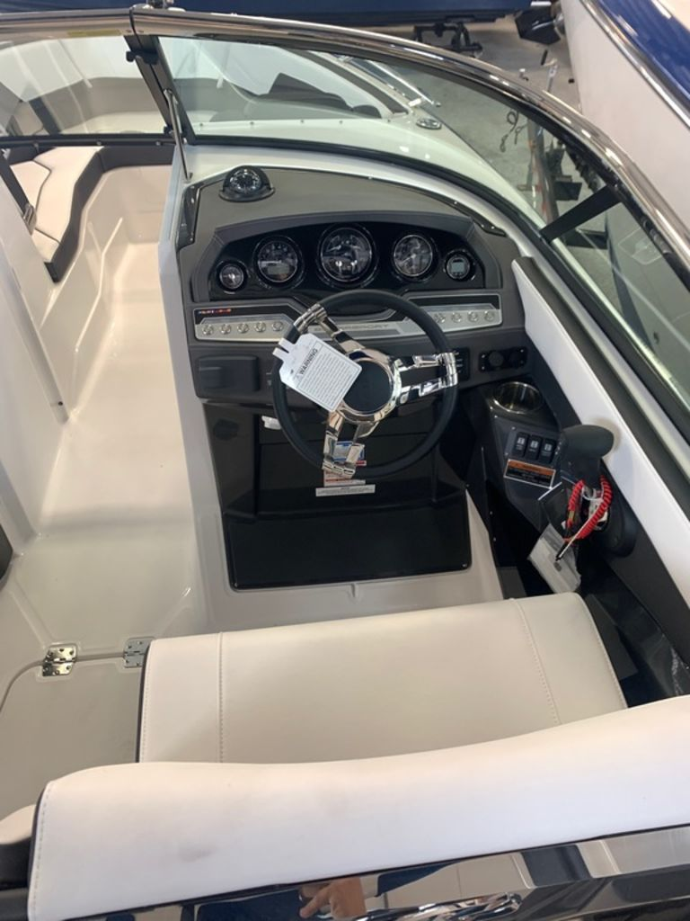 2020 Monterey boat for sale, model of the boat is 278SS & Image # 5 of 10