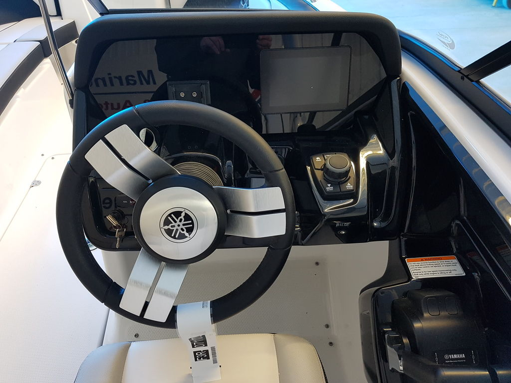 2019 Yamaha boat for sale, model of the boat is 212X & Image # 4 of 8