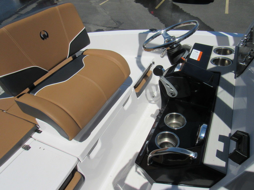 New 2019 Scarab 195 Open ID Center Console