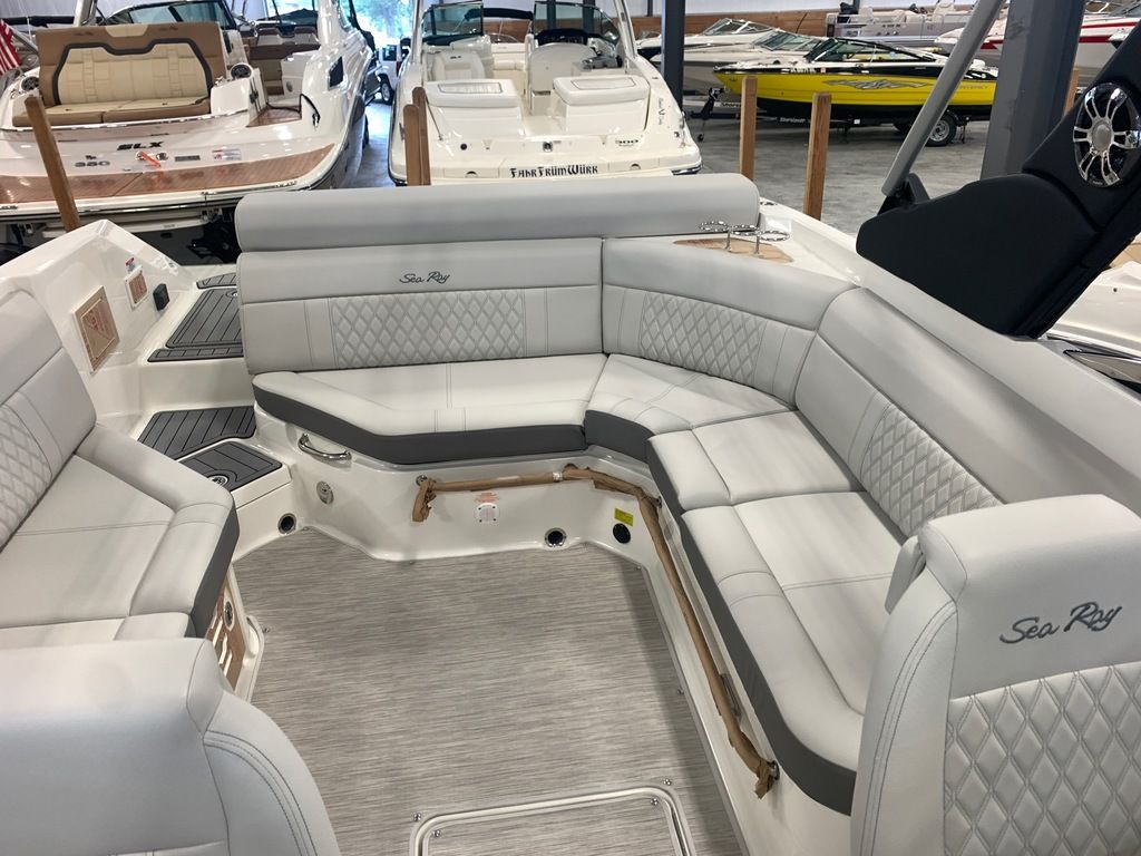 2021 Sea Ray boat for sale, model of the boat is SLX 280 & Image # 5 of 9