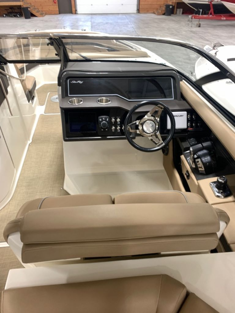 2017 Sea Ray boat for sale, model of the boat is SLX 310 & Image # 7 of 14