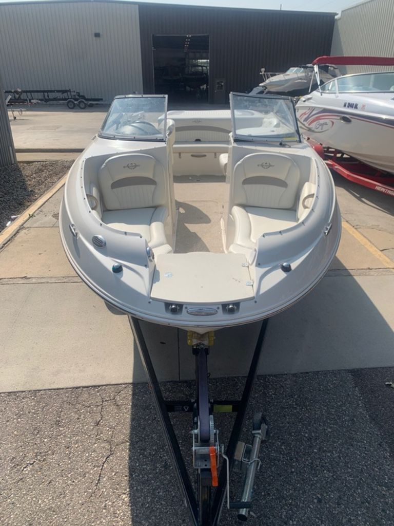 2013 Stingray boat for sale, model of the boat is 215LR & Image # 6 of 15