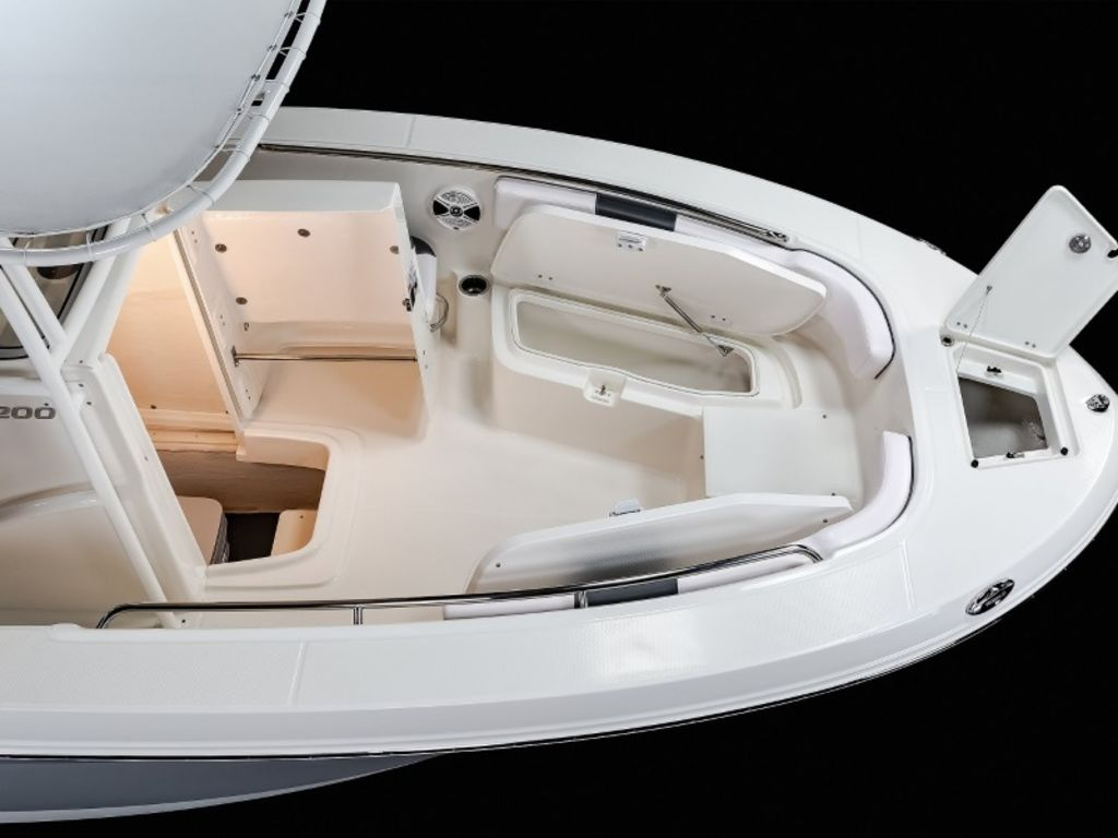 New  2021 Robalo R200 Center Console in Gulfport, Mississippi