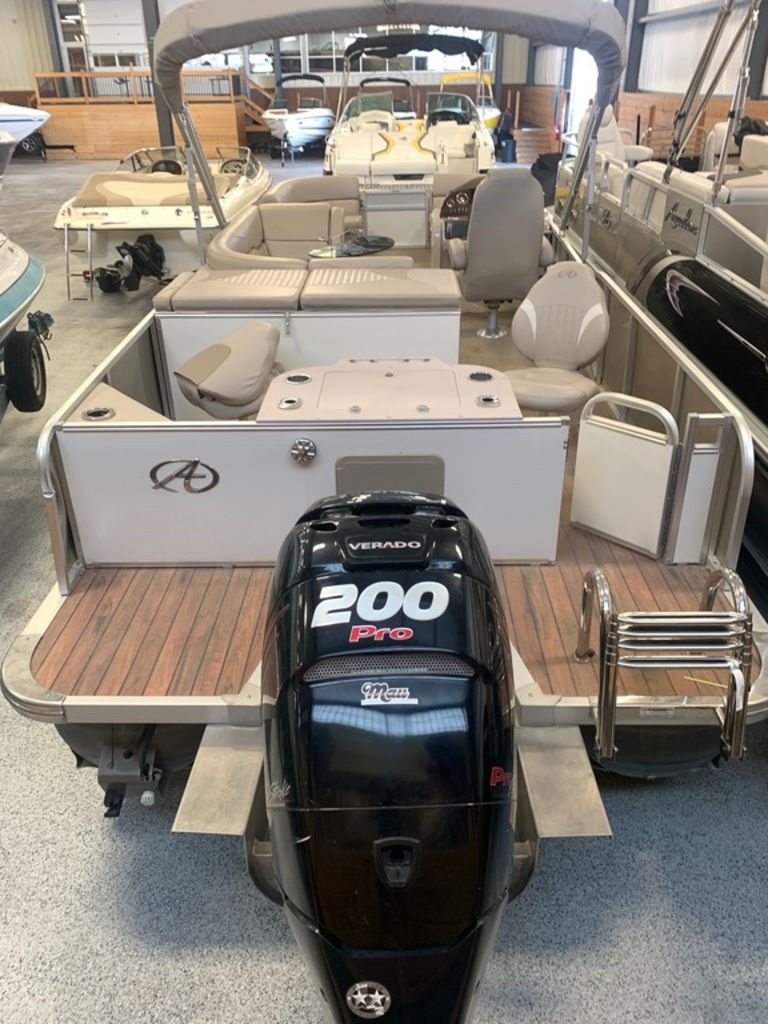 2015 Avalon boat for sale, model of the boat is Windjammer Fish 25' Rear & Image # 8 of 8
