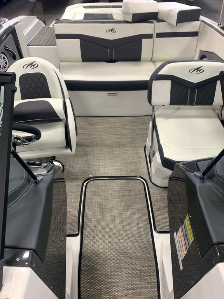 2019 Monterey boat for sale, model of the boat is 218SS & Image # 9 of 12