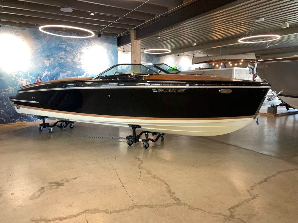2017 Chris Craft boat for sale, model of the boat is Capri 25 & Image # 2 of 13