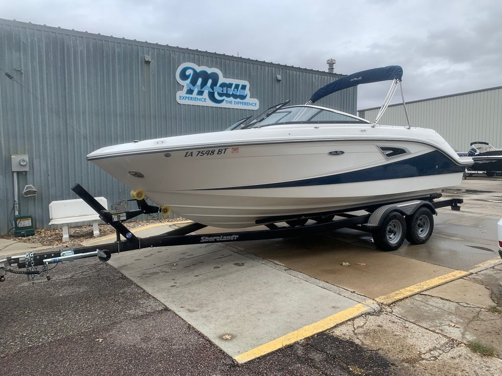2019 Sea Ray boat for sale, model of the boat is SLX 230 & Image # 1 of 12
