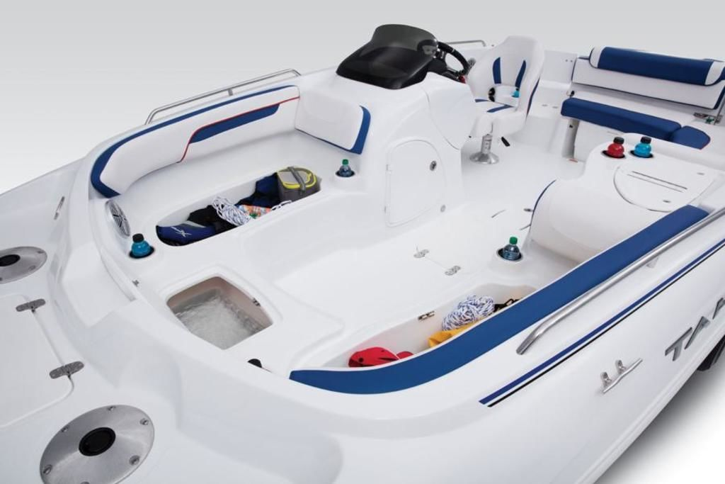 New  2018 Tahoe 215 Xi Deck Boat in Hammond, Louisiana