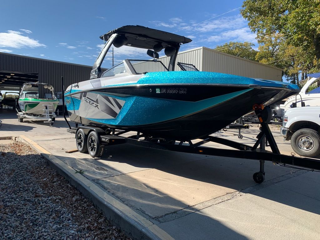 2017 Tige boat for sale, model of the boat is RZX3 & Image # 5 of 14