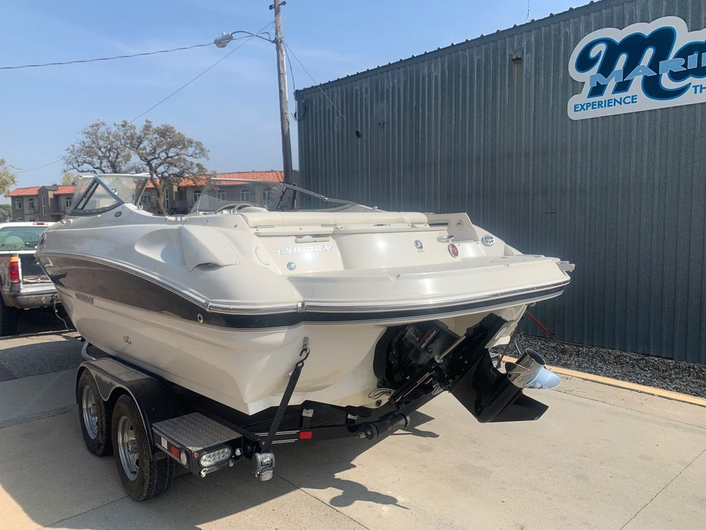 2013 Stingray boat for sale, model of the boat is 215LR & Image # 2 of 15