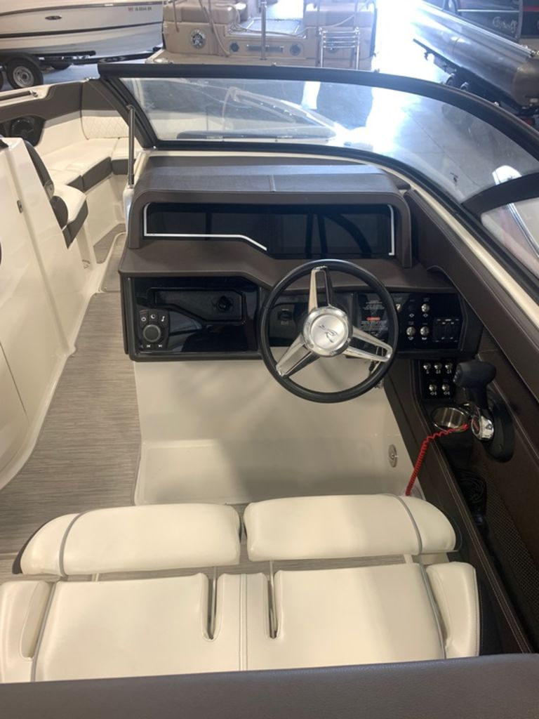 2016 Sea Ray boat for sale, model of the boat is 280 SLX & Image # 3 of 9
