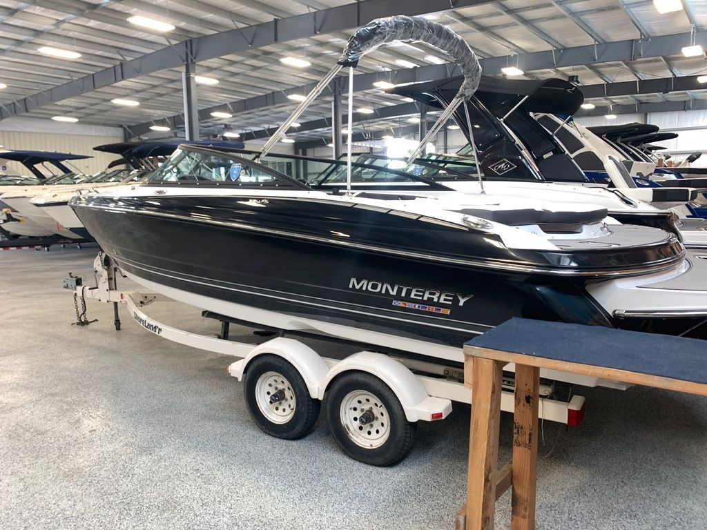 2020 Monterey boat for sale, model of the boat is 224FS & Image # 2 of 9