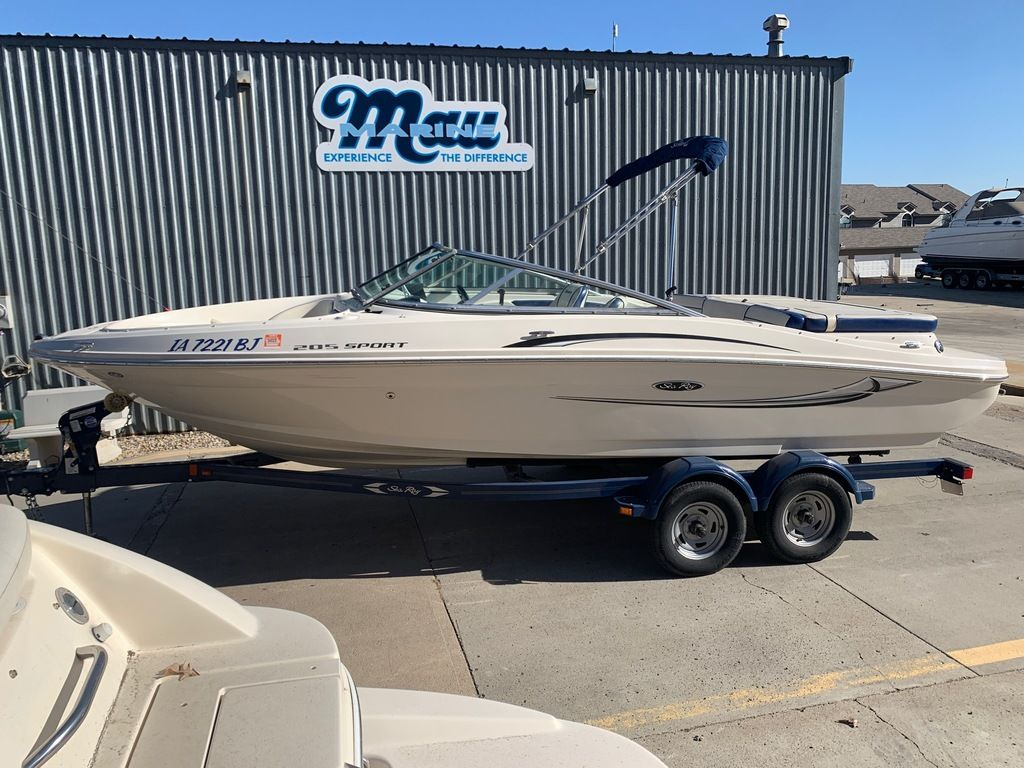 2010 Sea Ray boat for sale, model of the boat is 205 Sport & Image # 2 of 11