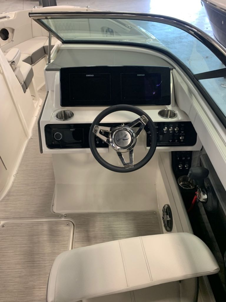 2020 Sea Ray boat for sale, model of the boat is SLX 250 & Image # 7 of 12