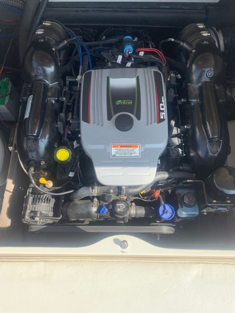 2013 Stingray boat for sale, model of the boat is 215LR & Image # 15 of 15