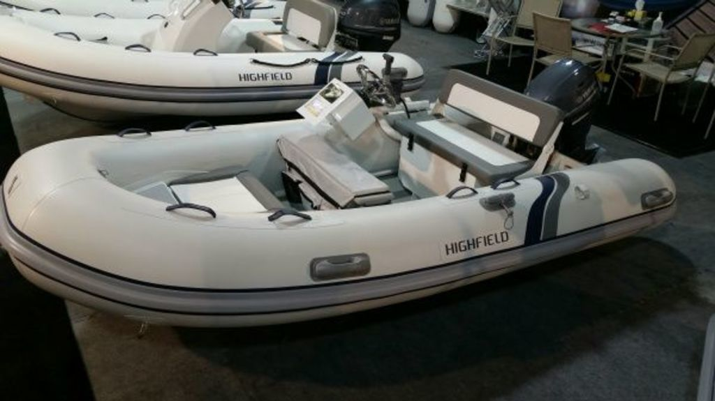 2020 Highfield boat for sale, model of the boat is CL 340 FCT & Image # 2 of 7