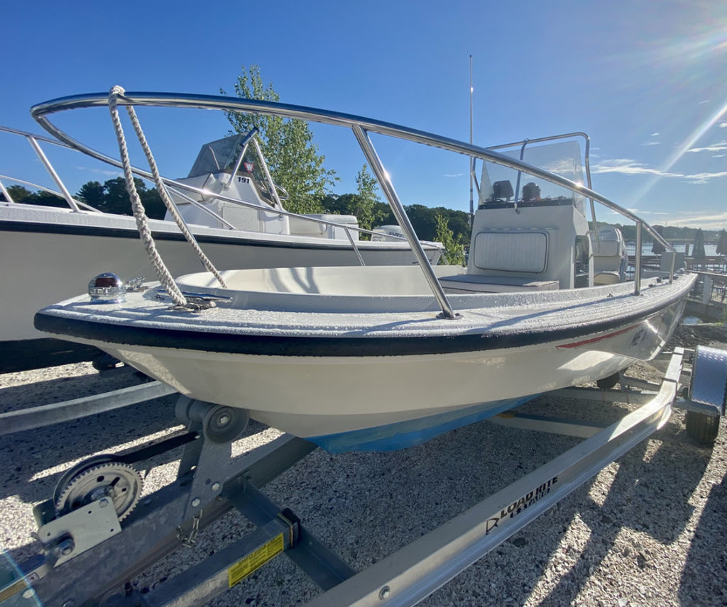 1992 Boston Whaler boat for sale, model of the boat is 17 Outrage & Image # 5 of 5