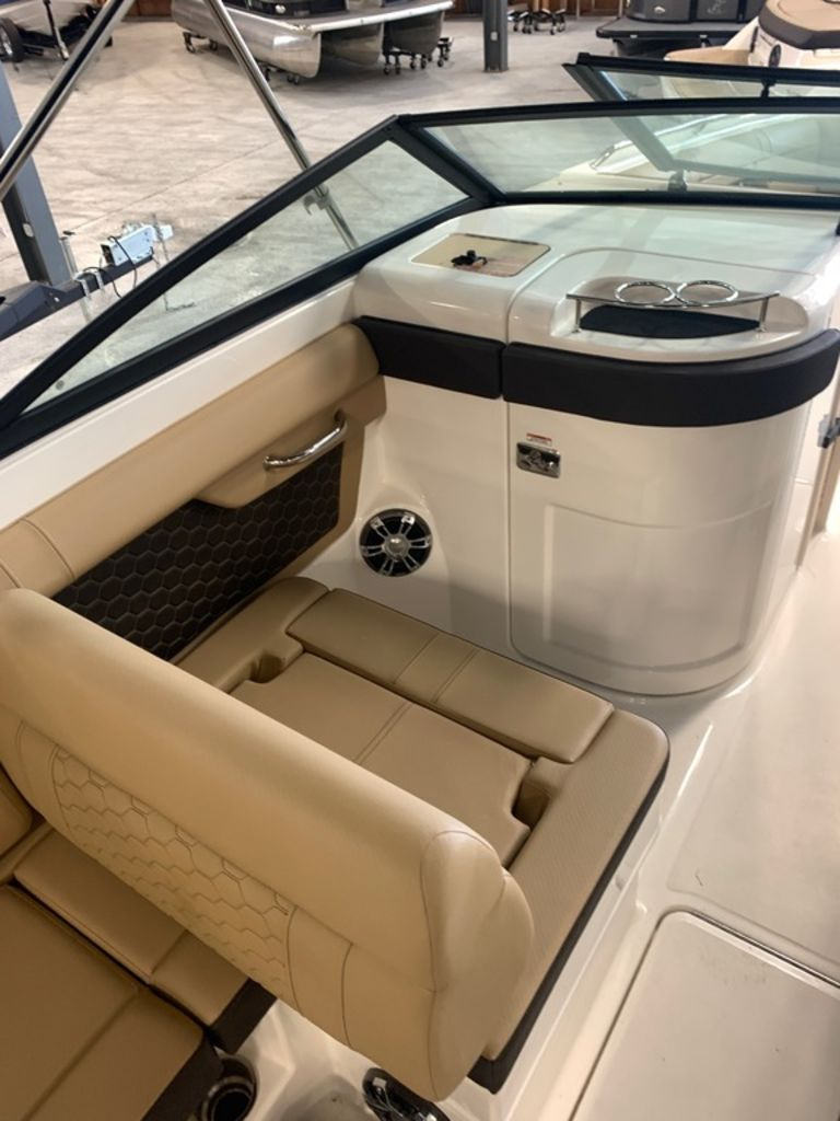 2019 Sea Ray boat for sale, model of the boat is SDX 270 & Image # 8 of 11