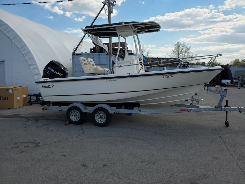2015 Boston Whaler boat for sale, model of the boat is 190 Outrage & Image # 5 of 5