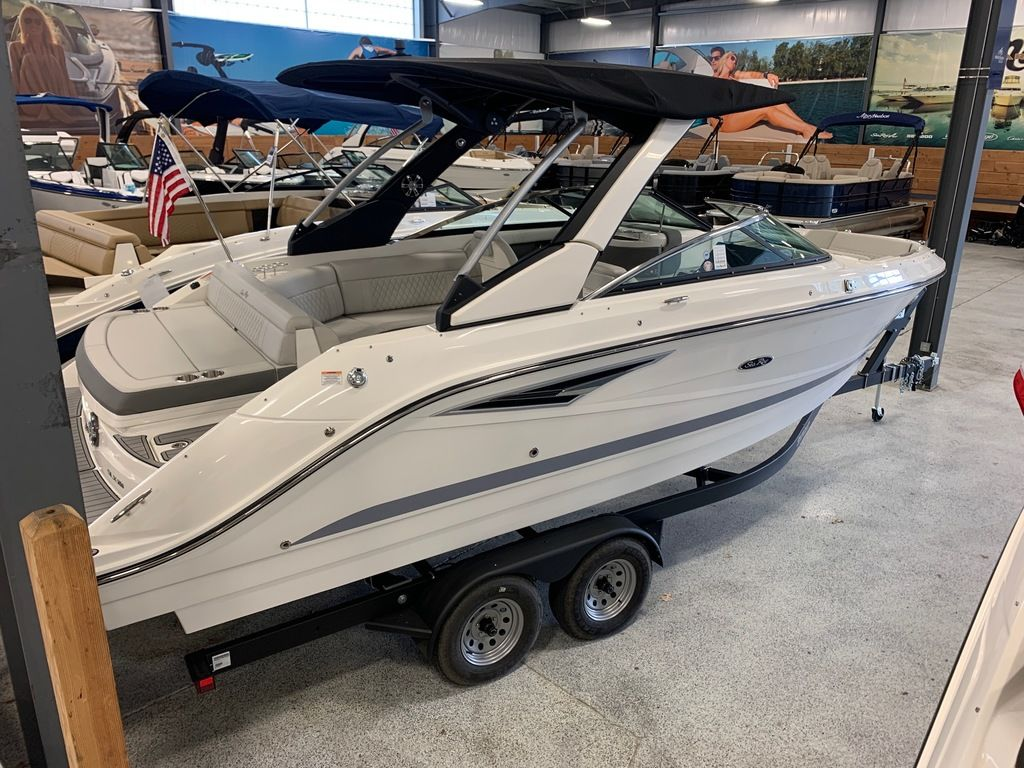 2020 Sea Ray boat for sale, model of the boat is SLX 250 & Image # 3 of 12