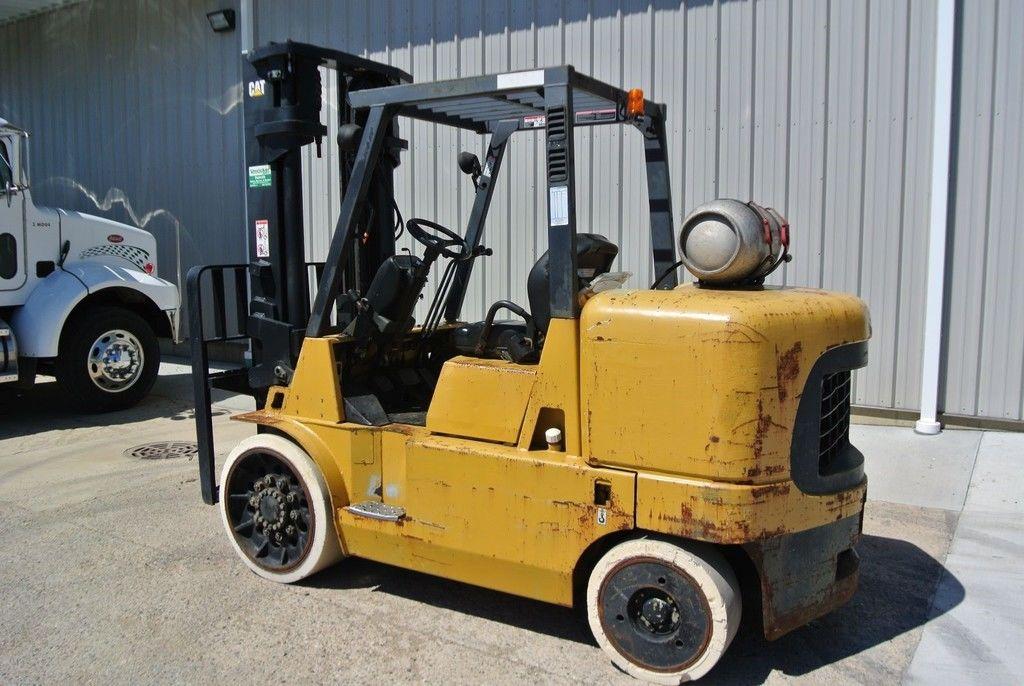 2000 CATERPILLAR GC60K for sale in Morton, IL Photo 4