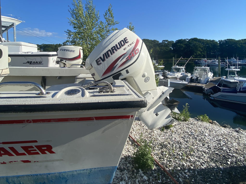 1992 Boston Whaler boat for sale, model of the boat is 17 Outrage & Image # 4 of 5
