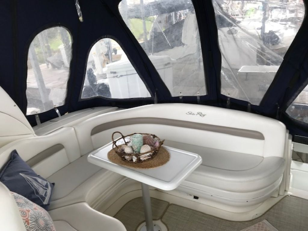 2005 Sea Ray boat for sale, model of the boat is 320 Sundancer & Image # 10 of 24