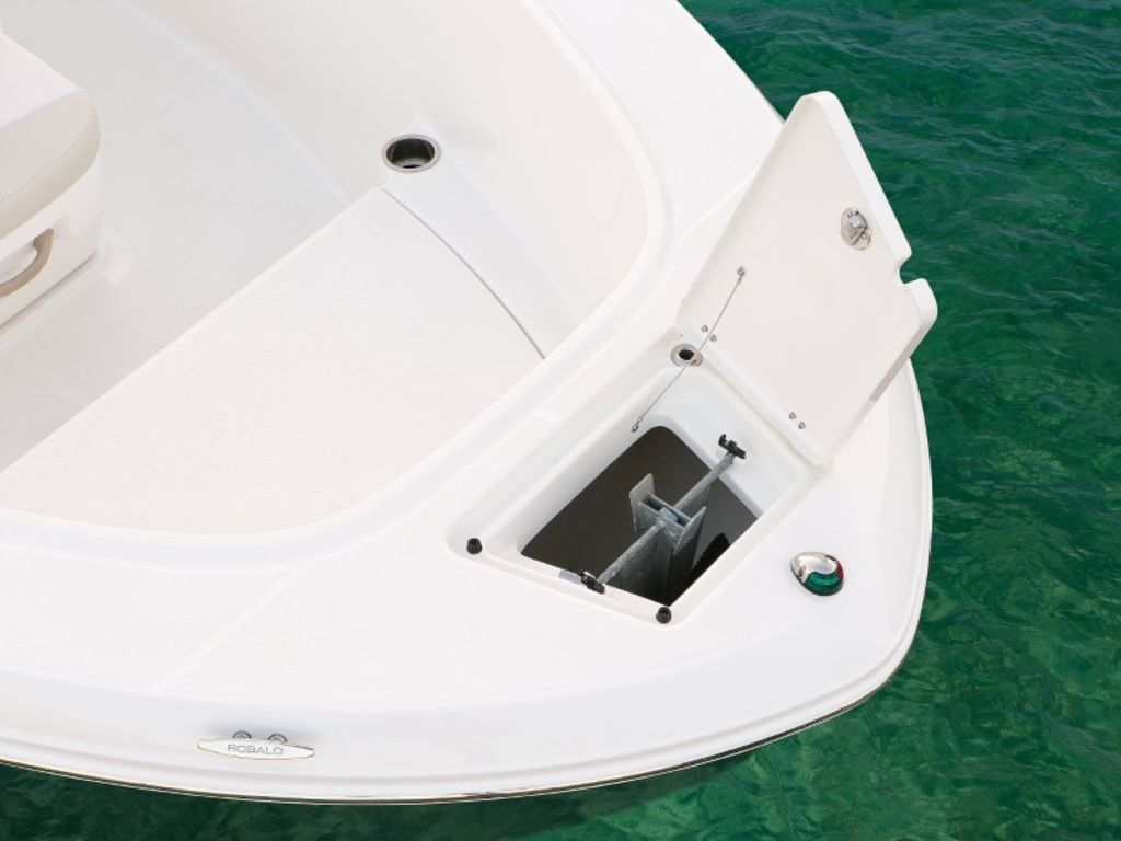 New  2021 Robalo R180 Center Console in Gulfport, Mississippi