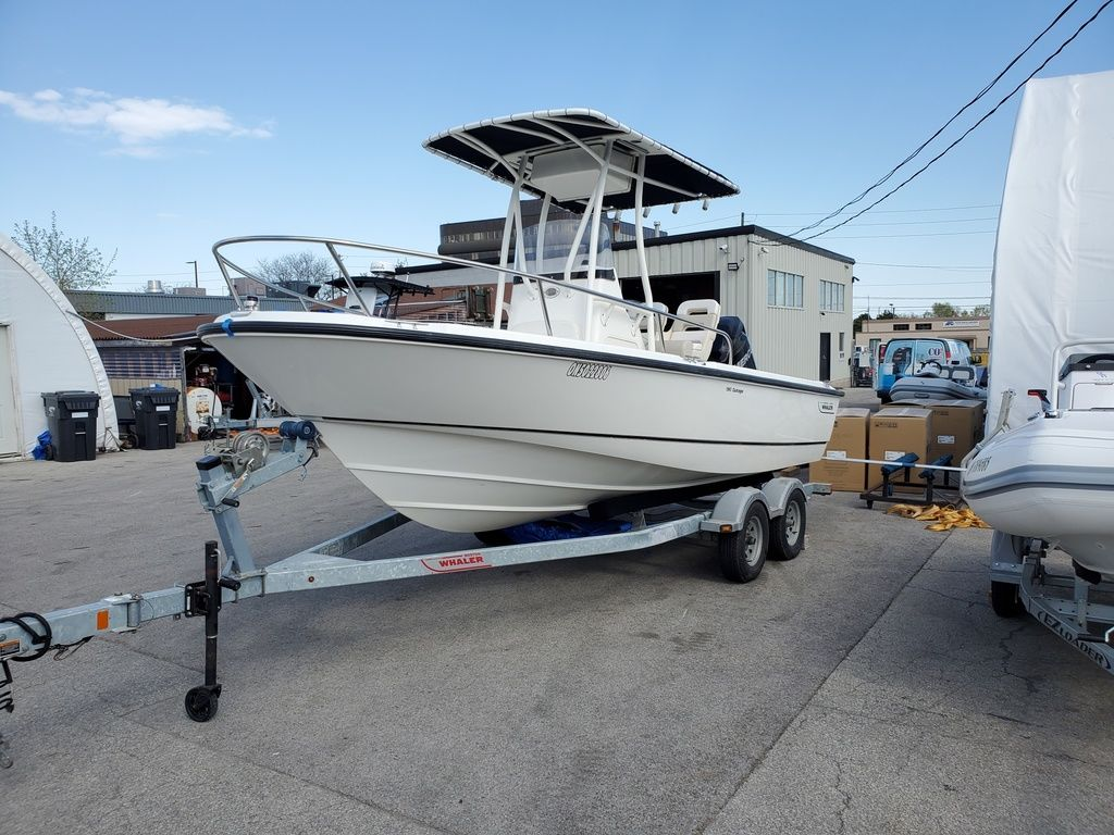 2015 BOSTON WHALER 190 OUTRAGE for sale