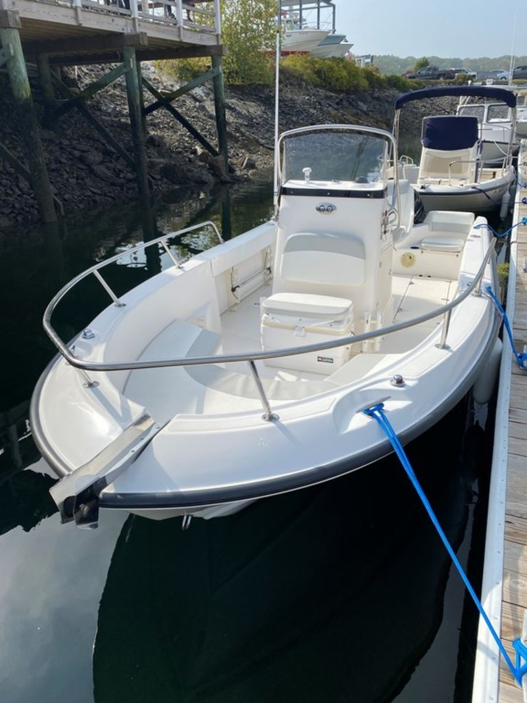 2004 Boston Whaler boat for sale, model of the boat is 210 Outrage & Image # 7 of 7