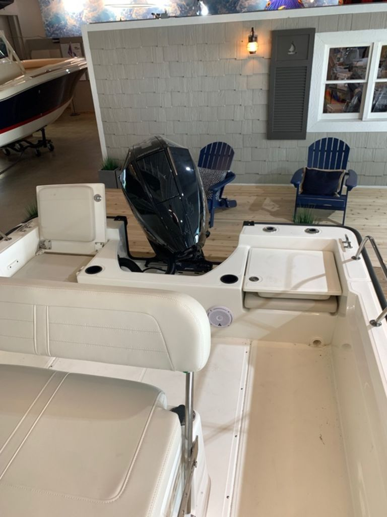 2019 Boston Whaler boat for sale, model of the boat is 210 Montauk & Image # 7 of 9