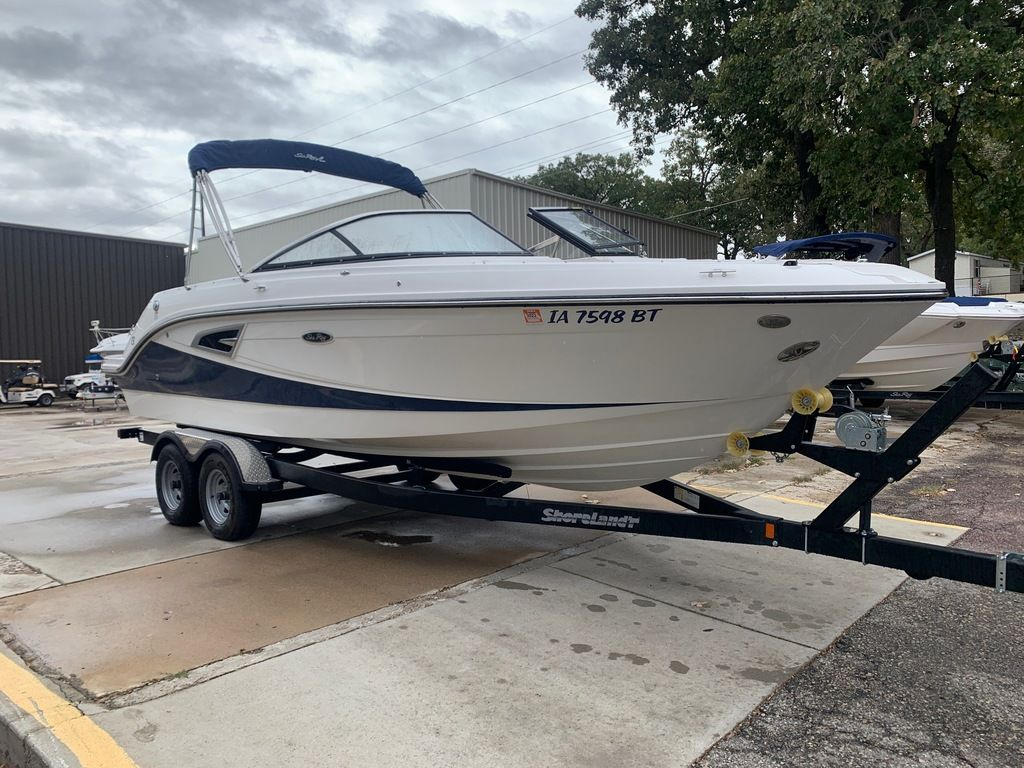 2019 Sea Ray boat for sale, model of the boat is SLX 230 & Image # 5 of 12