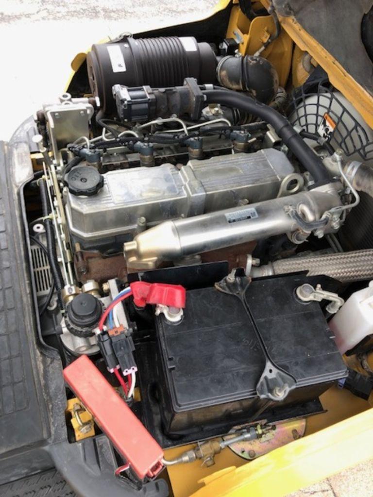 2016 CATERPILLAR DP30N for sale in Morton, IL Photo 9